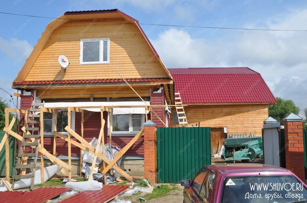 Пристройки к деревянному дому с ломаной крышей 151