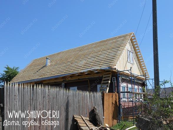 Как заменить крышу деревянного дома